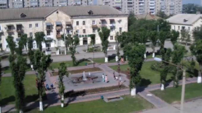 Площадь Ленина, скверик у фонтана Звезда Победы. Ахтубинск