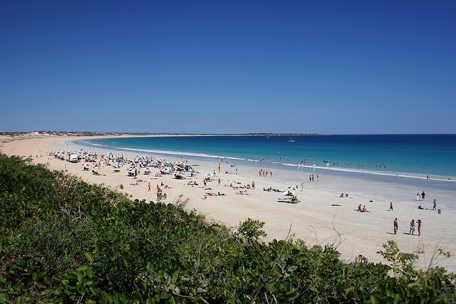 пляж Cable Beach. Брум (Австралия)