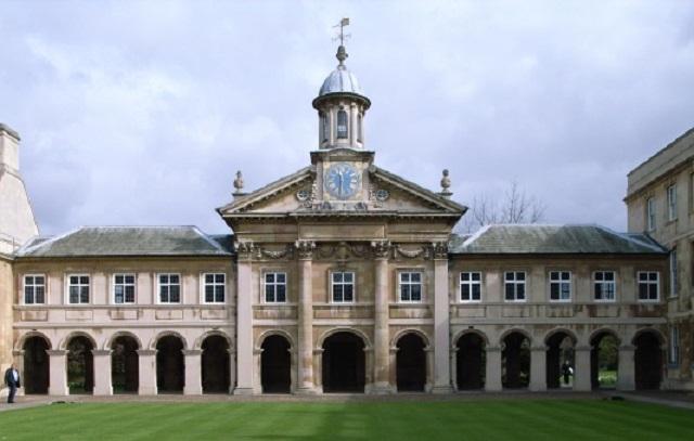часовня, колледж Эммануэля. Кембридж (Великобритания)