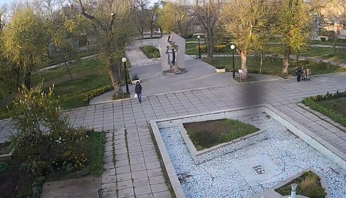 памятник чернобыльцам, Звезда Полынь. Евпатория (Россия)