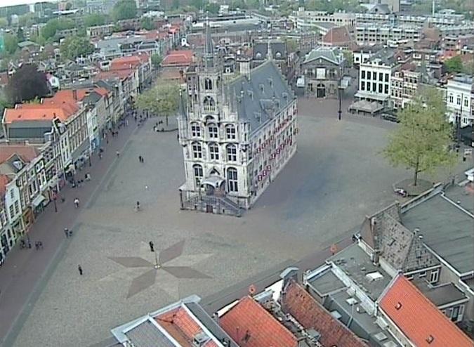 ратушная площадь. Гауда (Нидерланды)