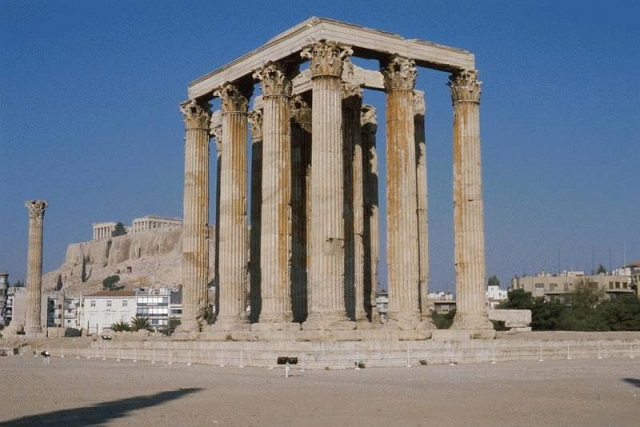 храм Зевса Олимпийского. Афины (Греция)