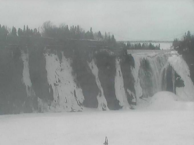 водопад Монморанси. Квебек (Канада)