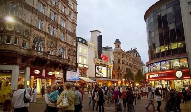 Лестер-сквер. Лондон (Англия)