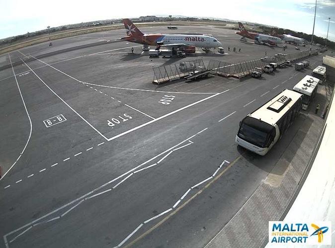 международный аэропорт. Мальта