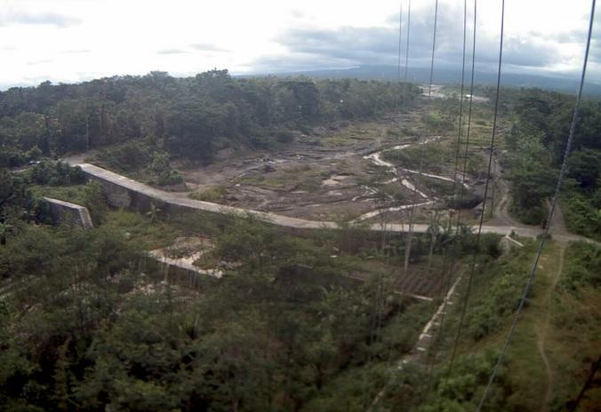 река у вулкана Мерапи (Индонезия)