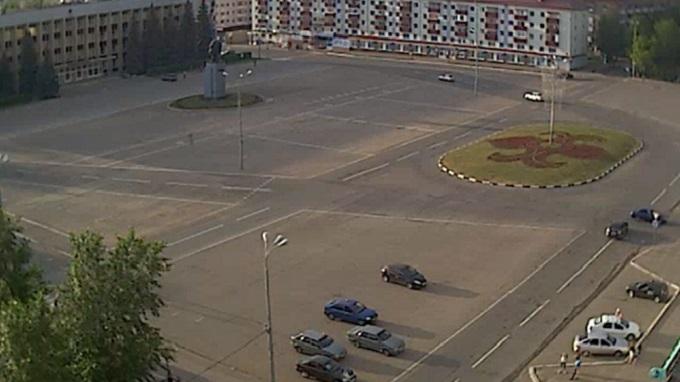 ентральная площадь. Нефтекамск, Башкоркостан (Россия)