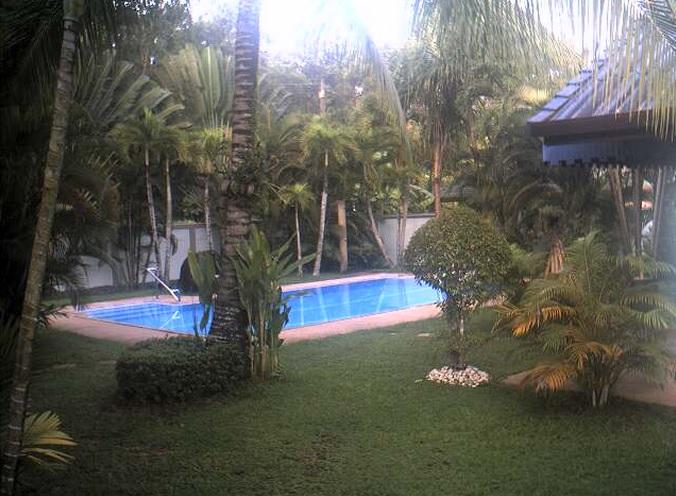 бассейн, отель Lotus Lodge. Пхукет (Таиланд)