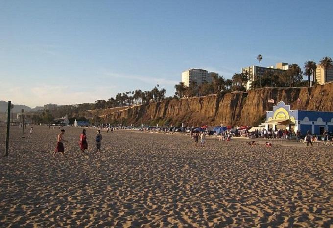 Пляж Венис-Бич. Лос-Анджелес, Калифорния (США)