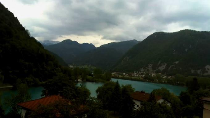 озеро на реке Соча, отель Lucija Hotel 3*. Мост на Сочи (Словения)