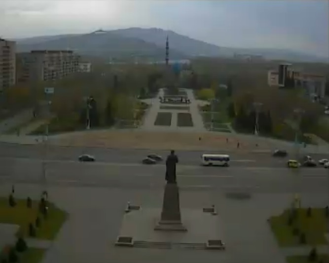 центральная площадь, мечеть. Усть-Каменогорск (Казахстан)