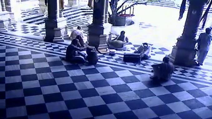 храм Кришны-Баларамы. Вриндавана (Индия)